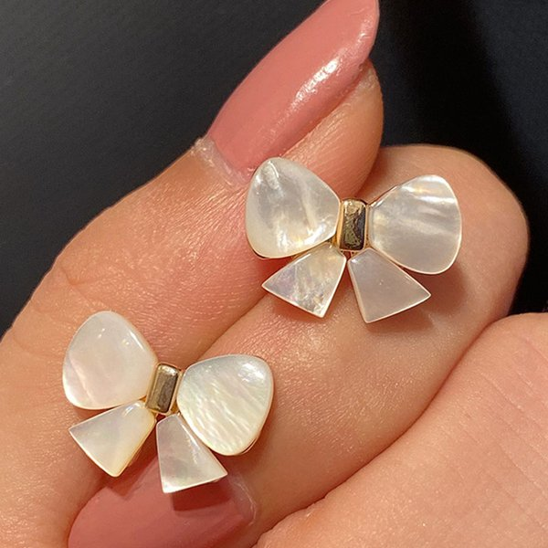 Girl earrings small fresh earrings woman natural white fritillary bow gold 925 silver needle ear studs exquisite luxury jewelry