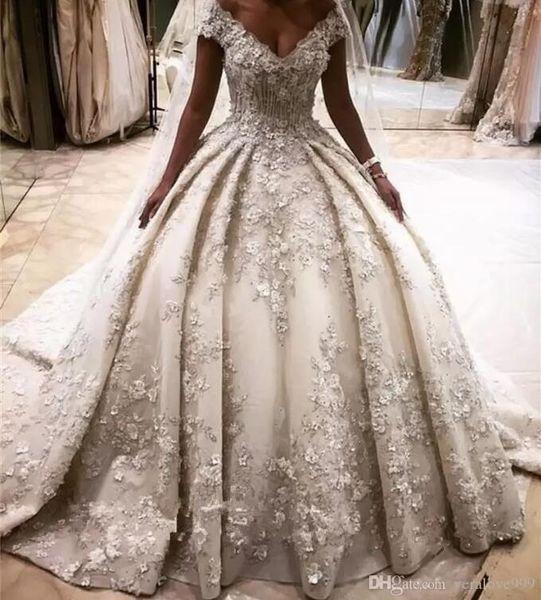 Robes de mariée de designer en ivoire de luxe Designer 3D Flower Lace Appliques Puffy mariage robes de mariée cathédrale train robes de mariage