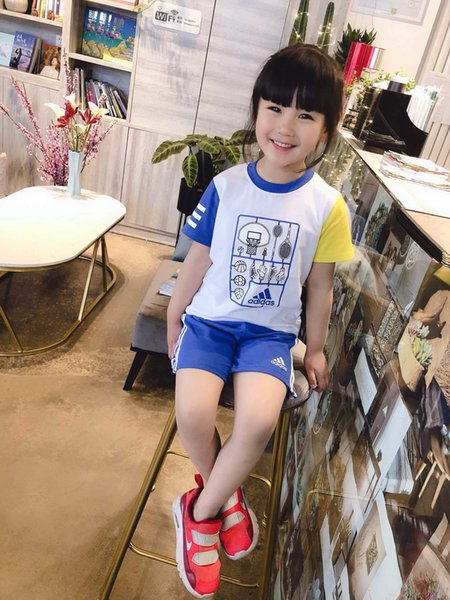 Baby Boy Ropa Niños diseñador de lujo Traje Ropa para niños Set 2019 Nuevo patrón de movimiento de impresión infantil Twinset Prenda larga 0606