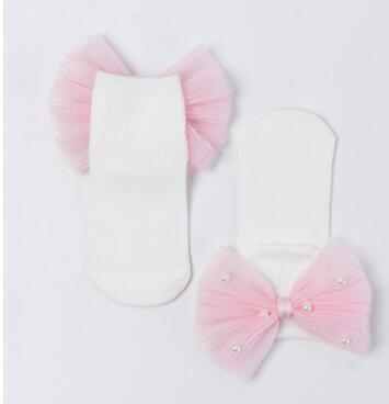 White pink back bow
