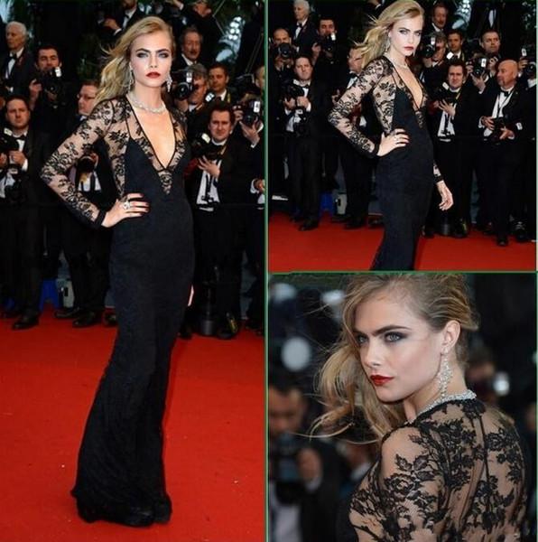 Cara Delevingne schiere Top V-Ausschnitt mit langen Ärmeln schwarzer Spitze Promi Abendkleider für große Gatsby Premiere auf dem roten Teppich von Cannes Abendkleid