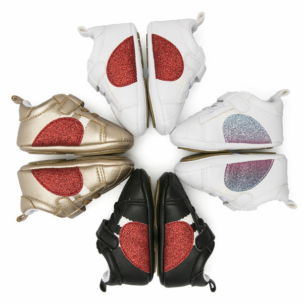 Bebek Yürüyor Yumuşak Sole Prewalker Sneakers Yeni Erkek Bebek Kız Kalp Beşik Ayakkabı Yenidoğan Bebekler Ayakkabı 0-12 Ay