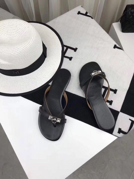 Luxury Classic 2019 New Summer Ladies Leather Slippers Beach Shoes Designer Brands Top Production Candy Color Flip Flops