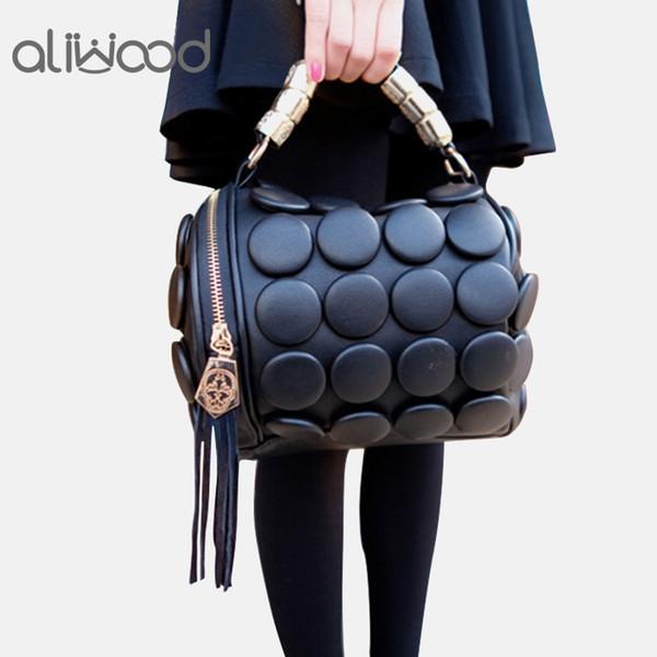 2019 женские сумки Бостон сумки дамы кисточкой кнопки сумки посыльного кожа сумки на ремне дизайнер ведро сумка клатч Bolsas Y19052402
