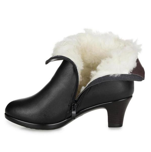 Botas de cuero de vaca de invierno 2018 zapatos de moda de gran tamaño para mujer Botas de lana cálidas y cómodas más terciopelo nieve mujer