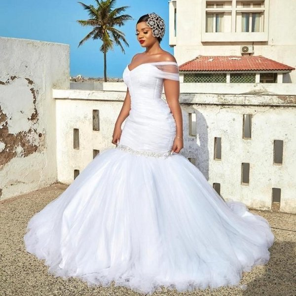 Plus Size One Shoulder Mermaid Wedding Dresses Beads Sequined Pleats Chapel Wedding Gowns Tulle Puffy Bottom Bridal Gown