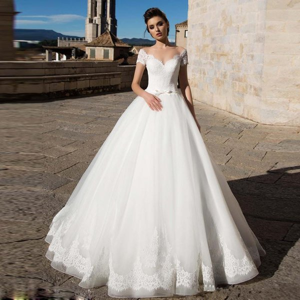 Elegant Tulle A Line Wedding Dresses Sheer Neck Short Sleeve Lace Appliques Country Wedding Gowns Sweep Train Bridal Dress