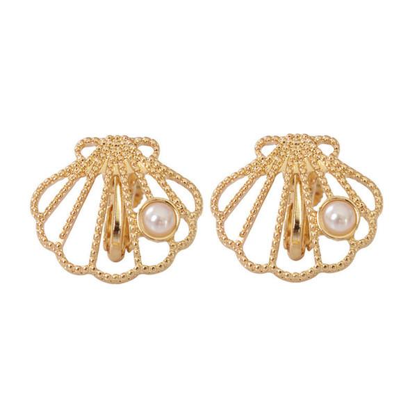 Neue Mode Clip Ohrringe Für Frauen Gold Farbe Hohle Ohrringe Schöne Shell Form Nachahmung Perle Anhänger Hochzeit Geschenk