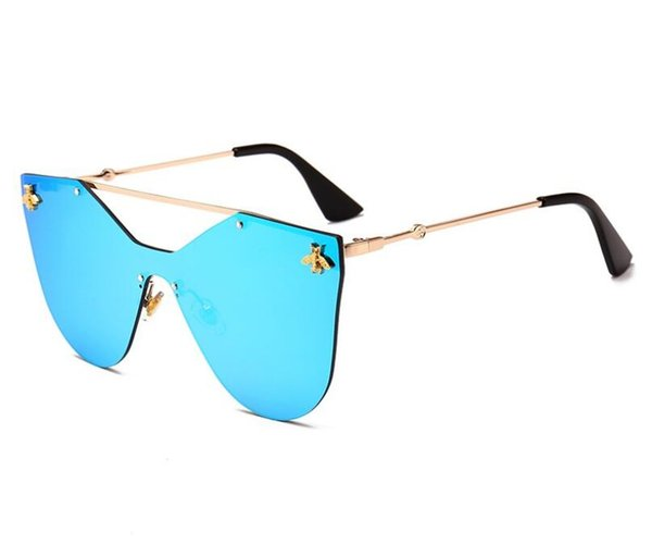 2019 Mens Fashion 1pcs Top quality Sunglasses for Women Fashion Designer Gold Metal Frame Red Colorful Sun glasses Eyewear Come