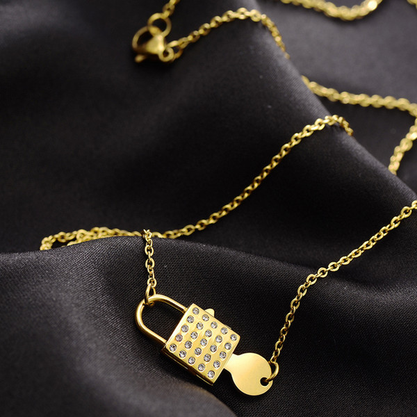 Women Rhinestone Lock Key Clavicle Chain Necklace Stainless Steel Lock Pendant Necklace for Gift High Quality