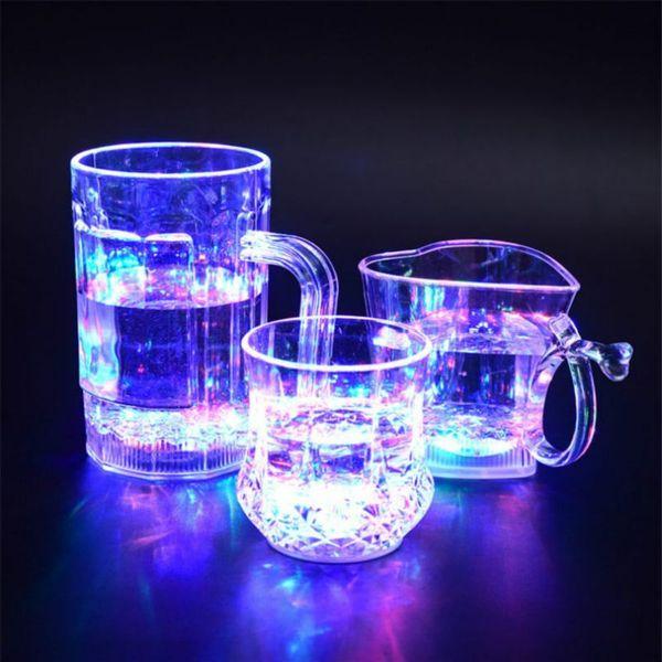 Creativo respetuoso del medio ambiente PVC luminosa té taza de agua Dragón Verter agua que brilla intensamente colorido botón Copa de inducción Luz panadería vino Glassl
