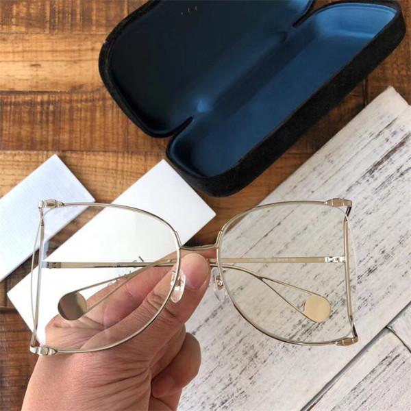 Gümüş çerçeve beyaz lens