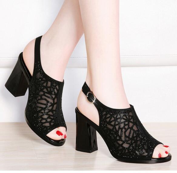 Lüks Kadın Ayakkabı Seksi Yüksek Topuk Şık Parti Ayakkabı Katı Bilek Kayışı Kadın Kemer Toka Sandalet Rhinestone Seksi Bayan Ayakkabıları