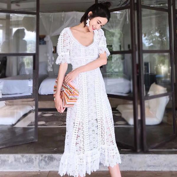 2019 Verão auto-retrato Crochet Vestido Branco Vestidos Runway Manga Curta Oco Out Rendas Ruffles Pétala Vestido Longo partido