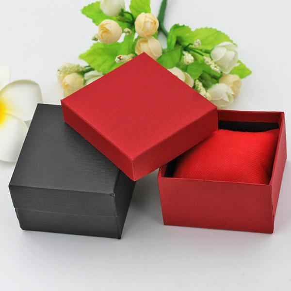 La vigilanza di modo inscatola la cassa per orologi quadrata di carta rossa nera con la scatola di immagazzinamento della scatola di esposizione dei gioielli del cuscino YD0124