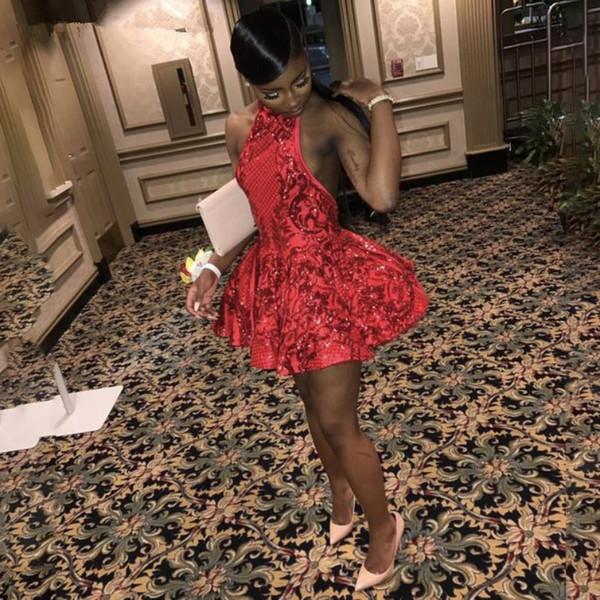 Abiti da ballo corti rossi senza schienale sexy Halter per paillettes ragazze nere Abito da ritorno a casa laurea africano 2019 Mini Cocktail Party Dress