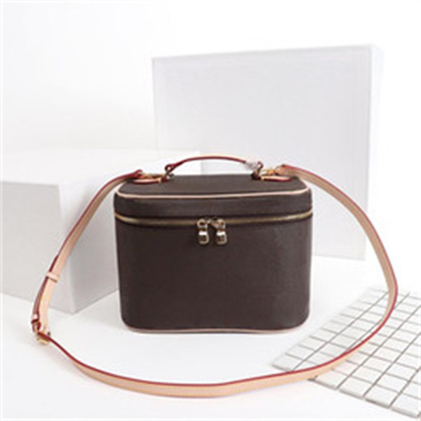 top popular Designer Makeup Bag Women Old Flower Make Up Bag Designer Pouch Fashion Designer Cosmetic Bag Handbags Shoulder Bags 2021