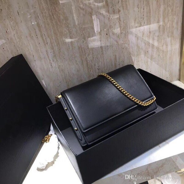 The latest briefcase of 18 years, using top grade calf leather, frosted leather inside, front cover bag,