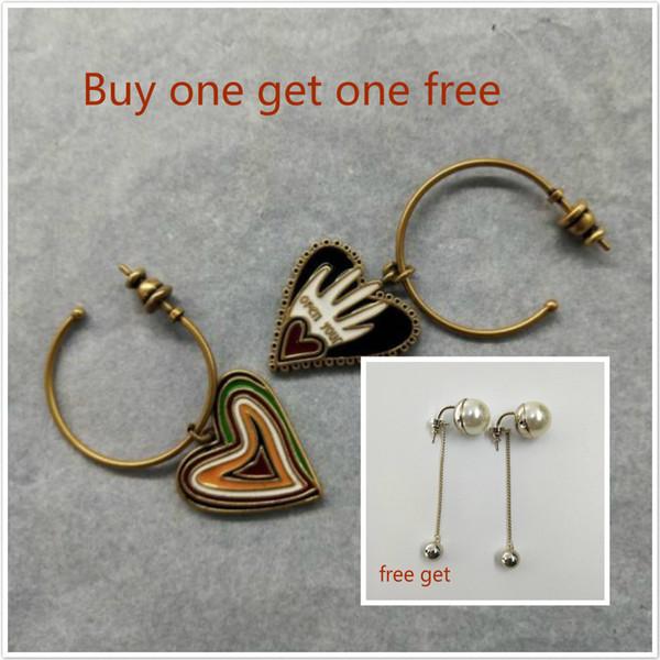 (Bir tane almak bir bedava olsun) tasarımcı C ve D kadın takı retro şeftali kalp küpe çift aşk küpe