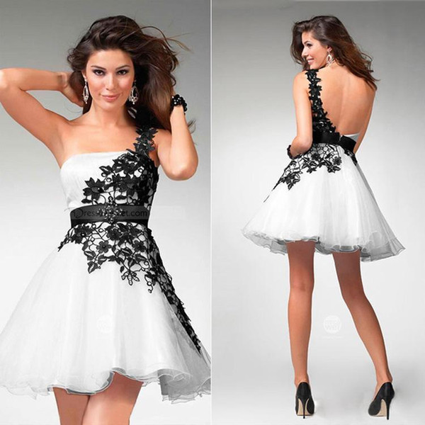 2019 New Black and White Lace Prom Kleider One-Shoulder Sleeveless Lace-Up Backless Short Mini Cocktailkleider