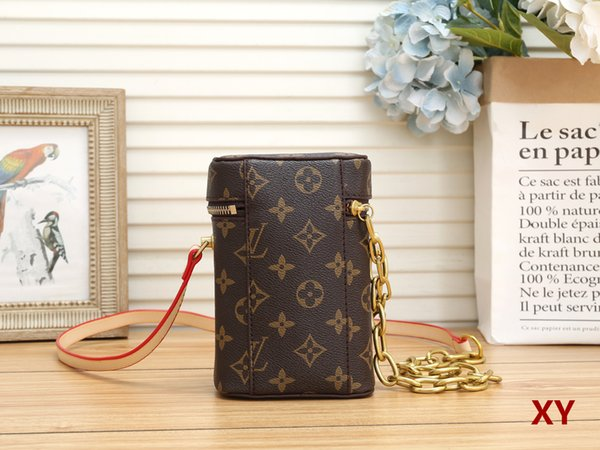 top popular High quality arrival famous Brand Classic designer new fashion women or Men messenger bags cross body bag school bookbag should 40940 2020