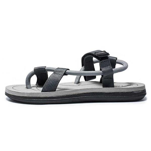 2019 Nueva moda de verano Sandalias de los hombres Personalidad de los hombres Tendencia informal al aire libre Sandalias de playa antideslizantes y zapatillas Crocse