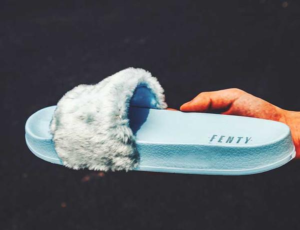 Sapatos Venda-a quente das mulheres Faux Fur chinelos mulheres internas Sandálias das meninas Scuffs Vermelho Rosa Azul cinzento Slides Fur Slides Estrela Swith