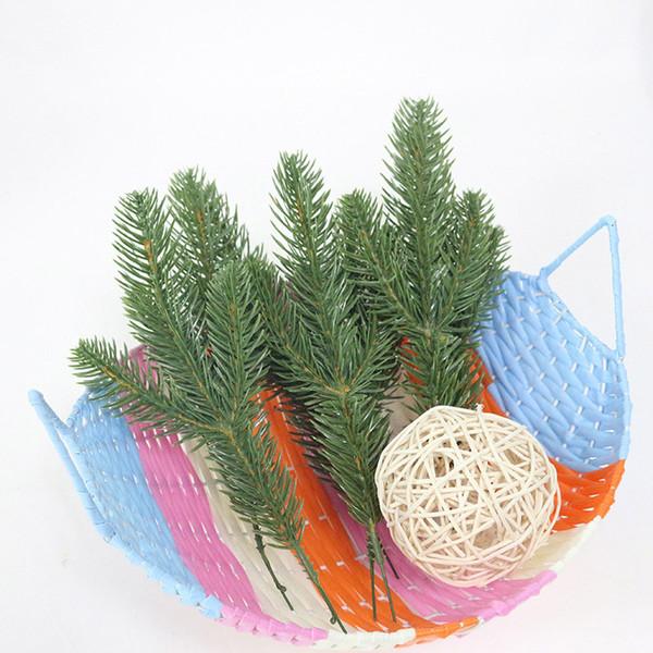 10 pz / lotto Trident aghi di pino Fiore artificiale Natale abbellimento di pino ago fiore di plastica FAI DA TE albero di natale decorazione piante