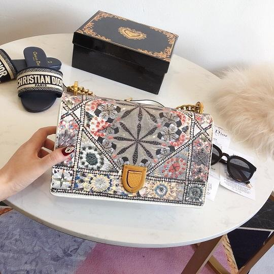 2019 new arrial purse Fashion shoulder bags free shipping leather handbag shoulder bags colorful female factory cost price hot sale 25cm