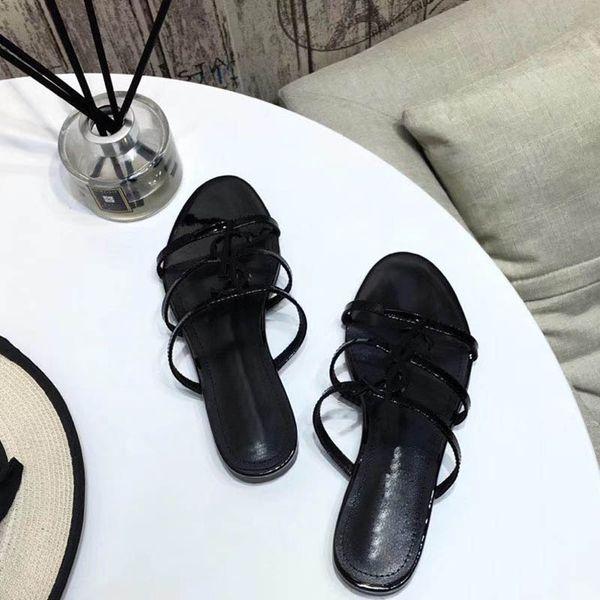 Envío gratis 2019 nueva Europa y EE. UU. Zapatillas de verano nuevas sandalias con lazo sandalias de playa decoradas con remaches