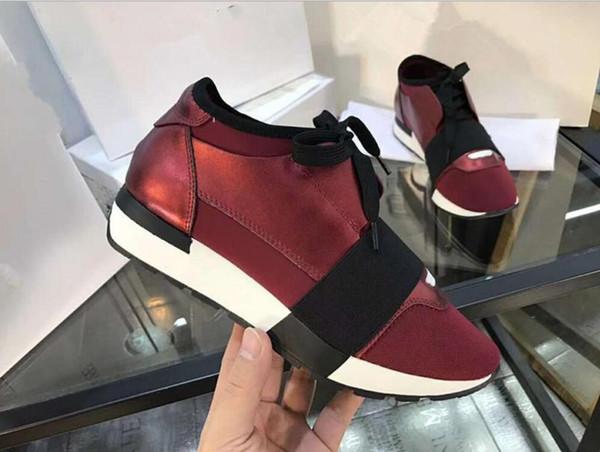 Sapatilhas de tecido de couro QUENTE QUENTE Qualidade Superior Designer Low Top mulher Sapatos Casuais Estilo Kanye West Corrida Corredor De Malha Respirável Flats
