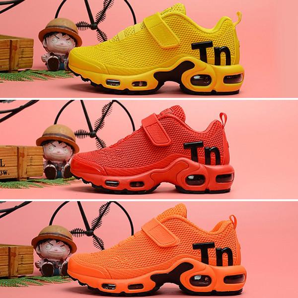 Nike Air TN Plus 2019 Çocuklar Için Yeni Tn Artı Erkek ve Kız Ayakkabı bebek Ebeveyn Çocuk Çocuk Çok Siyah Beyaz Eğitmenler Sneaker Açık Ayakkabılar EUR 28-35