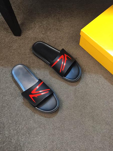 2020 Männer Frauen Sandalen Designer-Schuhe Luxus Slide Summer Fashion breite flache Slippery Sandalen Marke Flip Flop mit Kasten Größe 38-44 B104742Y