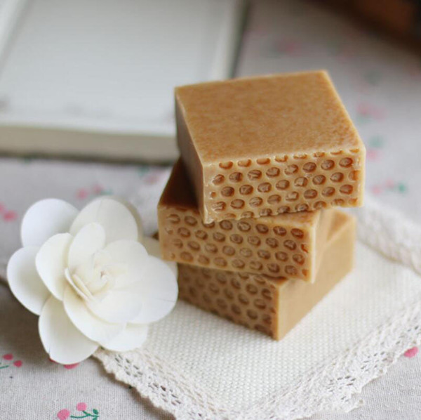 Natural Honey Milk Soap HAND MADE SOAP FOR MOISTURE SOFTENS FACE AND PROTECTS AGAINST THE DRYING EFFECTS OF THE SUN