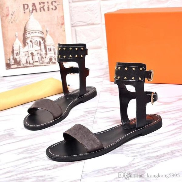 Newest Luxury Brands Women Print Leather Sandal Striking Gladiator Style Designer Leather Outsole Perfect Flat Canvas Plain Sandal Size35-41