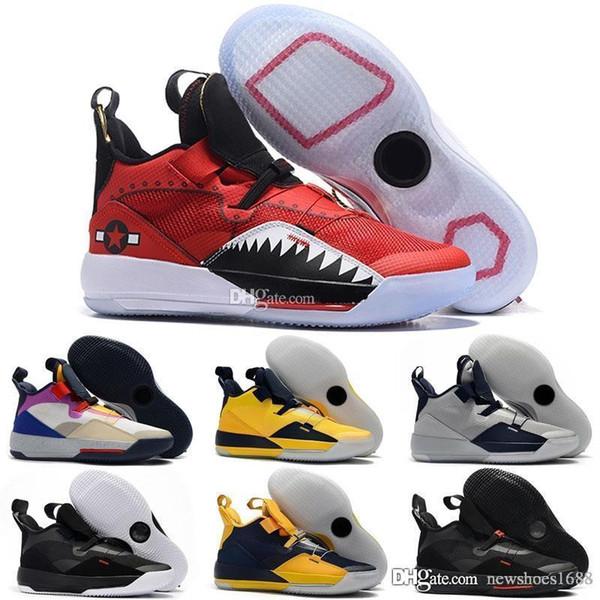 2019 Nouvelles chaussures de basket-ball Jumpman XXXIII 33 pour hommes 33s en or / Championnat MVP Finals entraînement Sneakers Sports Chaussures de course
