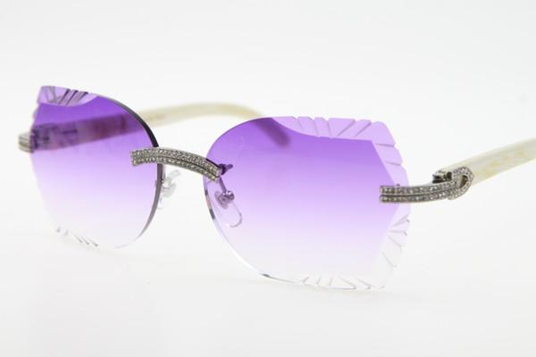Серебряный фиолетовый объектив