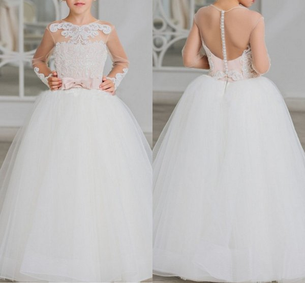2020 Vintage Long Sleeves Flower Girls Dresses For Wedding Sheer Neck Applique Sequins Beaded Top Bows A line Tulle First Communion Dress