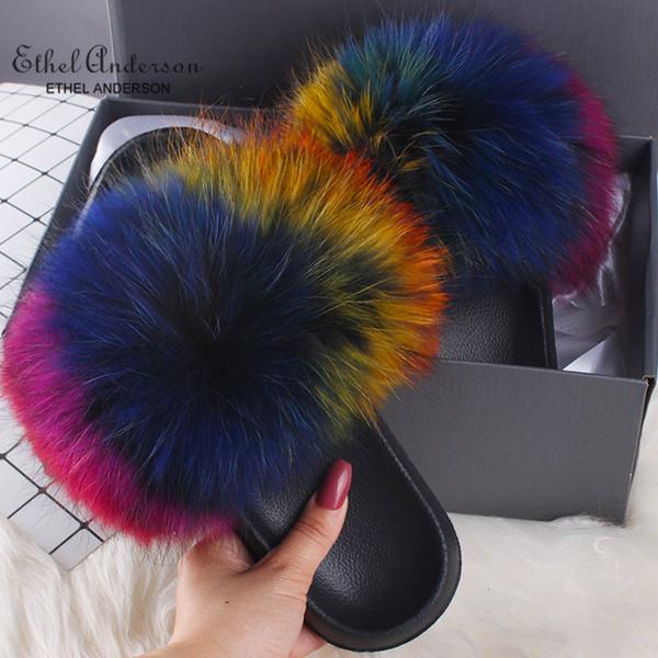 Fourrure de raton laveur colorée