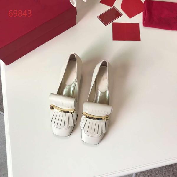 Sapatos de salto alto com franjas de estilo novo e simples no início da primavera de 2019, sapatos femininos de couro elegantes e de alta qualidade, tamanho 35-40