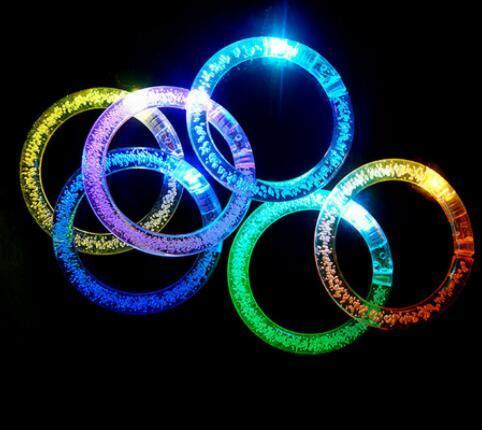 Led Glitter Bracelet Bandgle LED Gradiente de cristal de color Anillo de mano Acrílico Resplandor del flash Palos de luz Baile para fiestas Artículos de Navidad Toys Epacket