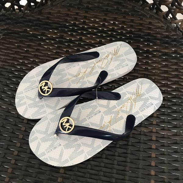 Chanclas a la moda Sandalias de color liso Sandalias de mujer Sandalias de playa Zapatos divertidos para la venta Diseñador Sandalias Calzado