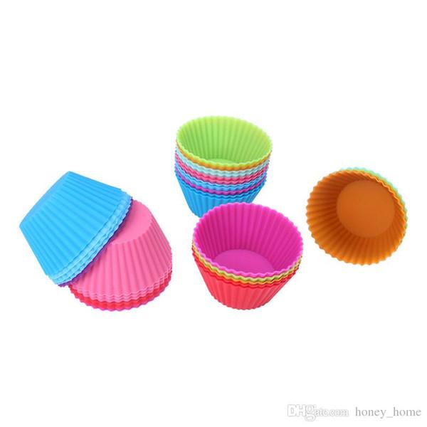 10 adet / grup Kek Aracı Kalıplama Yuvarlak Silikon Kalıplar Çörek Cupcake Liner Kalıp Durumda Bakeware Yemekleri Tepsi Pişirme Formu ...