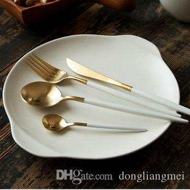 marki 8color Juego de vajilla Cuchillo de cena de acero inoxidable de alta calidad Tenedor sopa café helado Cuchara Cucharadita Cubiertos juego de cubiertos h123