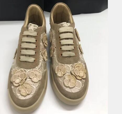 Fashion Women Casual Shoes 2019 Running Flats Female Sneakers Comfortable Round Toe Lace-up With FLower For Women Sport Shoes With Box