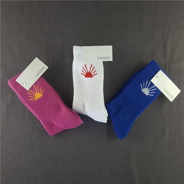 3 пары / серия 18ss Гоша Rubchinskiy носки Мода спорта Sockings Street скейтборд Письмо печати Носки Весна Лето футбол носки пробки