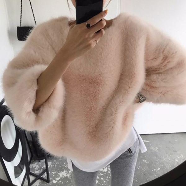 DEAT 2019 Autumn Winter Pullover Three Quarter Batwing Sleeve Sweatshirt Faux Fur Loose Warm Comfortable Tops Women Jumper MH217 T191115