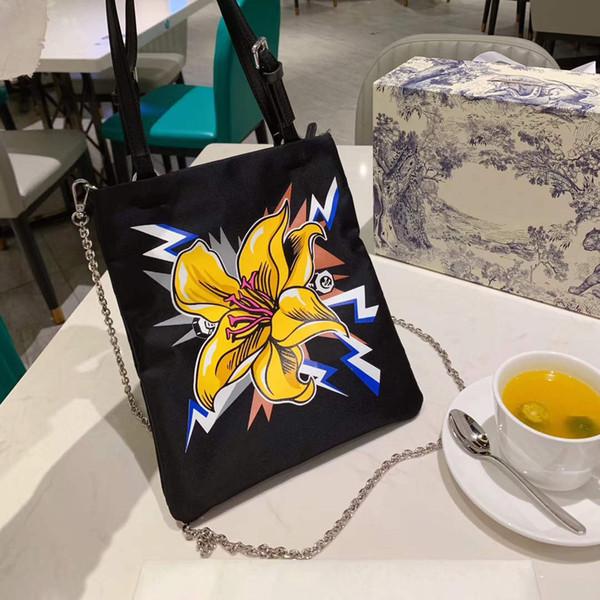 La nueva llegada mujeres ocasionales del diseñador del hombro del bolso del bolso de lujo Marca Negro bolsa de mano 2 Patrones corazón de la flor con la letra B100710Z
