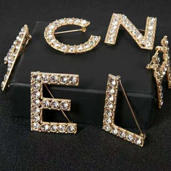 6 unids / set Hombres Mujeres Moda Pasadores Broches Oro Amarillo Plateado de Alta Calidad CZ Letras Broches Pasadores para la Boda del partido