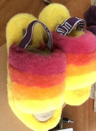 35-41 Mujeres Furry Zapatillas Australia Fluff Yeah Slide Designercasual Shoes Boots Moda de lujo Diseñador Sandalias de mujer Slides de piel Zapatillas